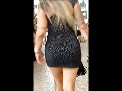 Cavala blonde in the street