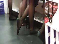 Candid Women Nylons Pantyhose Feet Shoeplay Dipping