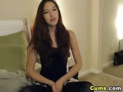 Hot Asian Teen Babe Loves to Masturbate on Cam