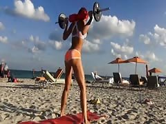 Sexy big booty workout comp. - iRuinGirls