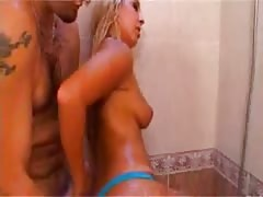 Bianca jebi follando en la ducha