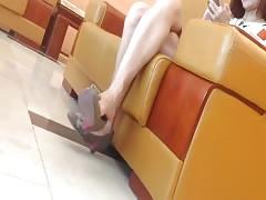 Candid Asian Shoeplay Dangling Feet & Legs Vietnamese