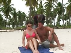 Nasty hooker Jessica Fiorentino is blowing a BBC on the beach