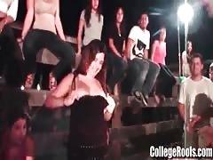 Amateur College Girls Flashing Sucking and Fucking