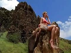 Amanda Righetti - North Shore