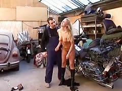Teen blonde sucks and get fucked in a garage