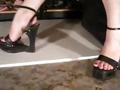 black footbedless wedge