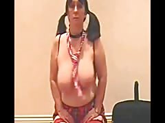 Julie Shakes her tits for you
